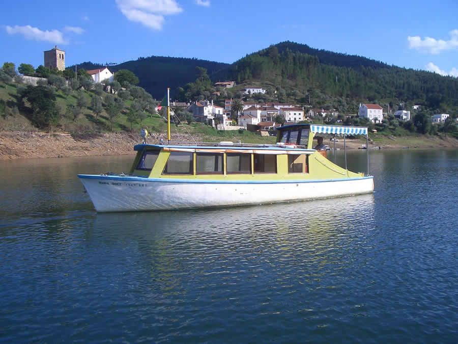 Barco Turístico Maria Odete